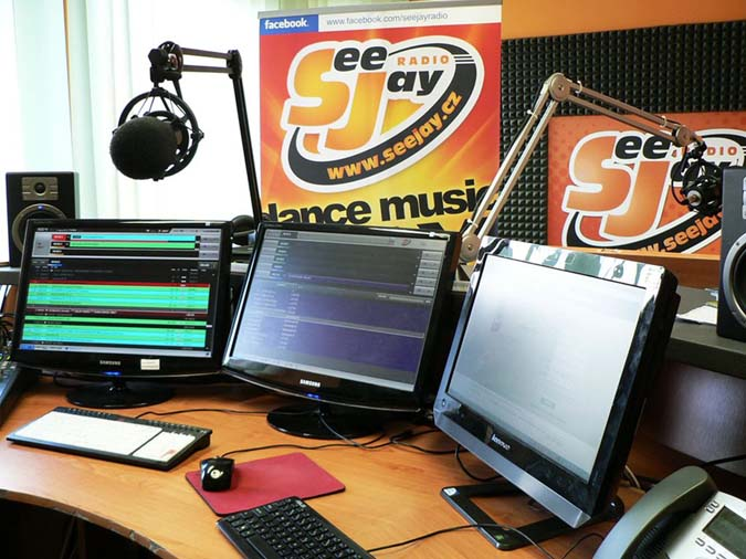seejay-radio-studio-tz2