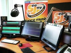 Studio SeeJay Radia na archivní fotografii z roku 2013. Fotografii poskytl zástupce SeeJay Radia