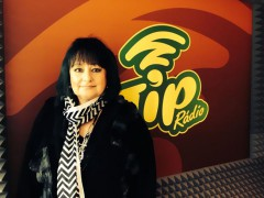 TIP rádio začalo vysílat v roce 2013. V prvních měsících propůjčila stanici svůj hlas i známá moderátorka Eva Jurinová. Zdroj foto: TIP Rádio