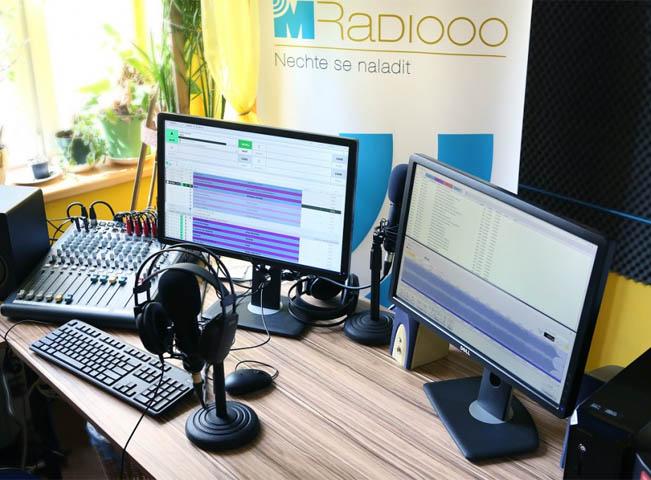 m-radio-studio-651