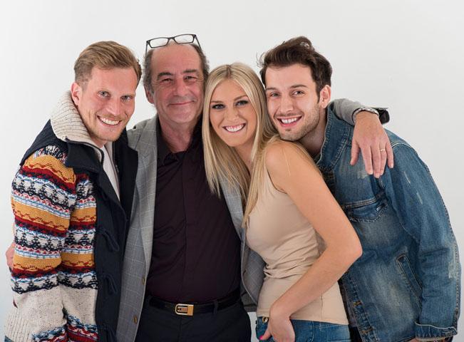 Protagonisté víkendové ranní show Evropy 2 s prezidentem skupiny Lagardere Active ČR Michelem Fleischmannem