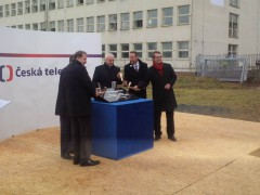 Poklepání základního kamene nového televizního studia v Brně
