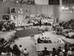 Ukázka z historických vydání pořadu Zpívá celá rodina