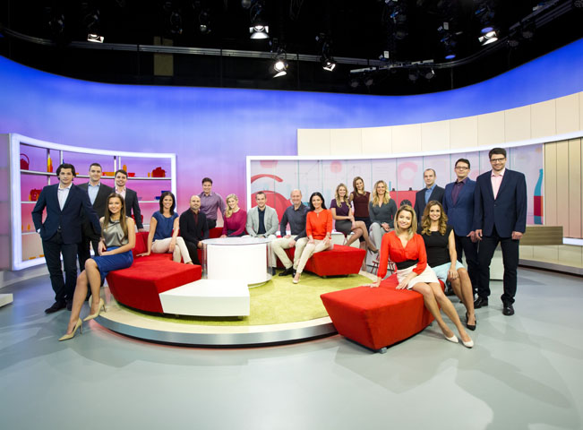 Kolektiv pořadu Snídaně s Novou v novém multifunkčním studiu, foto: TV Nova