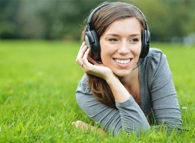radio-zena-v-prirode