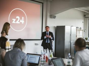 Ředitel společnosti CE Media Pál Milkovics představuje projekt nové zpravodajské televize z24. Foto: CE Media