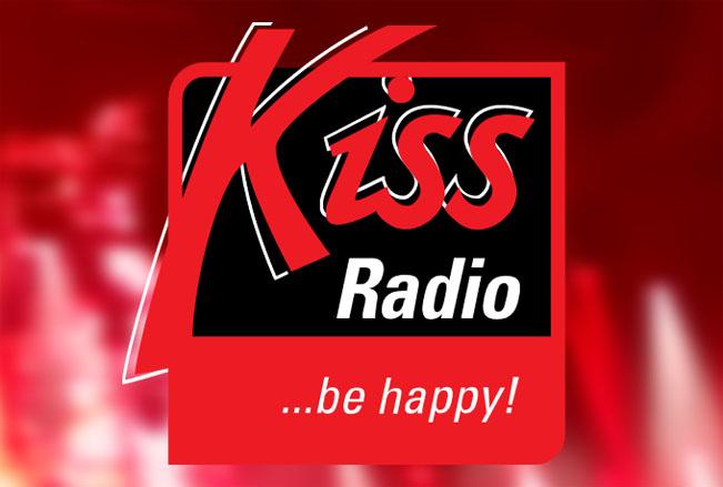 "Nové společné logo KISS rádií a slogan ""be happy!"""