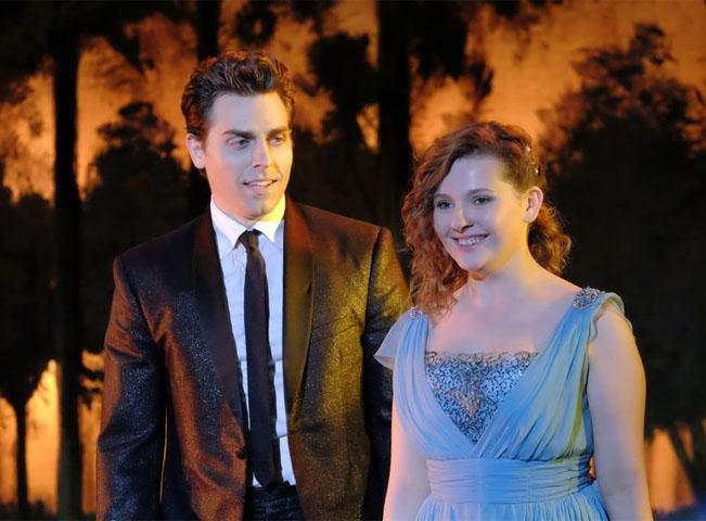 Colt Prattes a Abigail Breslin v hlavních rolích nové verze Hřísného tance. Zdroj foto: americká televizní stanice ABC