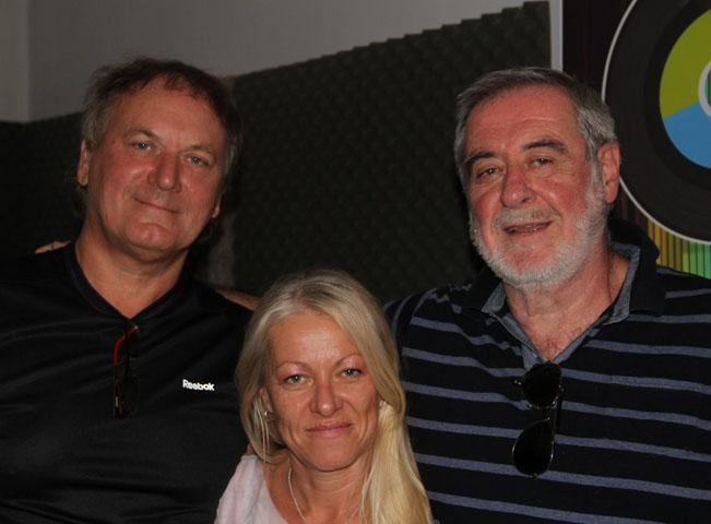 HEY Rádio svou přítomností podpořil i Michal Prokop (vpravo). Na fotografii je i moderátorka Lenka Šteklová a majitel stanice Miroslav Pýcha. Foto: Rádio HEY