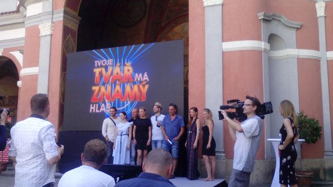 Protagonisté čtvrté řady soutěžní show Tvoje tvář má známý hlas. Ilustrační foto Juraj Koiš (foceno mobilním telefonem)