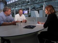 Roman Ondráček a Miloš Pokorný v rozhovoru na DVTV. Screenshot