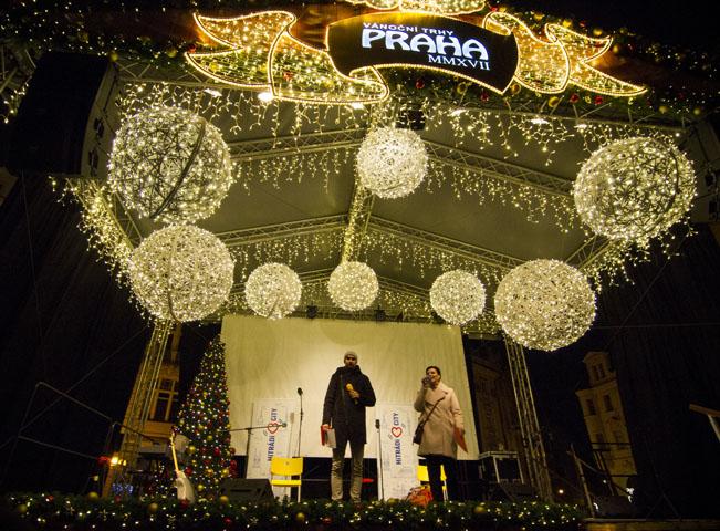 Projekt Rozsviťte s námi Prahu vyvrcholil 2. prosince na Staroměstském náměstí v Praze. Foto: Hitrádio City 93,7 FM