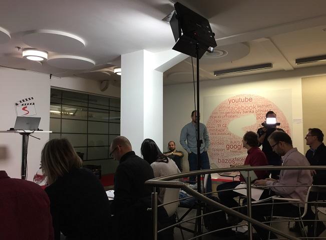Příprava na tiskovou konferenci Televize Seznam, autor: Martin Petera