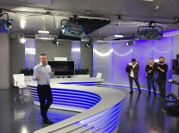 Modré studio, z něhož se vysílá například pořad Duel, autor: Martin Petera