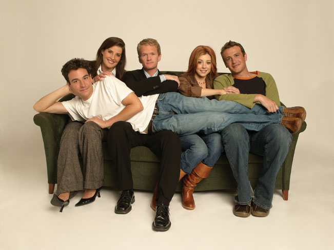 Josh Radnor, Cobie Smulders, Neil Patrick Harris, Jason Segel, Alyson Hannigan of HOW I MET YOUR MOTHER Photo: Monty Brinton/CBS © 2005 CBS Broadcasting Inc. All Rights Reserved. Fotografii poskytla společnost Viacom International Media Networks