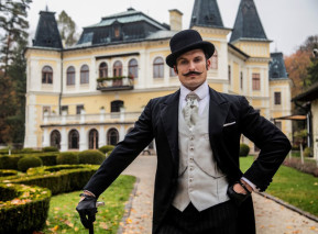 Hlavní postava seriálu 1890, detektiv Jánoš Marton. Hraje Ján Koleník. Fotografii poskytla FTV Prima