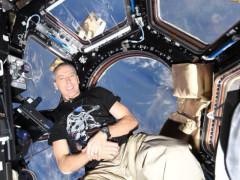 Andrew Feustel z paluby Mezinárodní vesmírné stanice. Zdroj: Česká televize