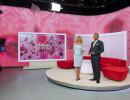 Svatební studio a moderátoři Lucie Borhyová a Rey Koranteng. Foto: TV Nova