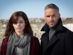 Juliette Roudet a Philippe Bas ve francouzském seriálu Profil zločinu. Fotografii poskytlo české zastoupení programů AXN