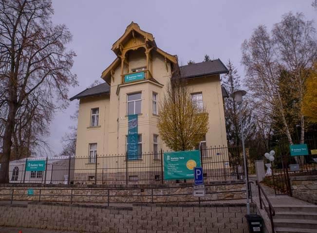 Budova Českého rozhlasu, studia Karlovy Vary. Foto pro Český rozhlas - Vlastimil Kováč