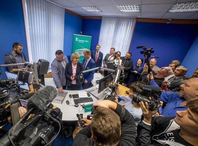 Zahájení vysílání studia Český rozhlas Karlovy Vary. Foto: Vlastimil Kováč
