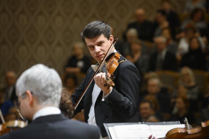 Pomáháme s Českou filharmonií (foto Petra Hajska)