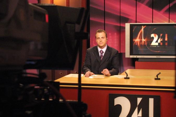 David Borek v prvním zpravodajském studiu ČT24